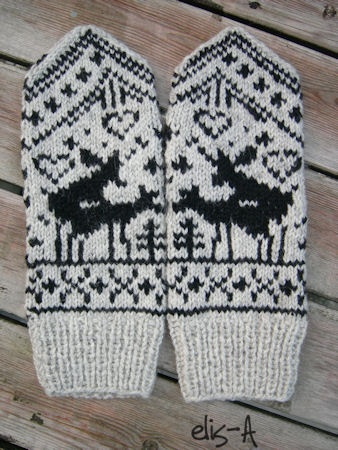 knitted mitten pattern.. took me a while to realize what the deer are doing... hahaha!