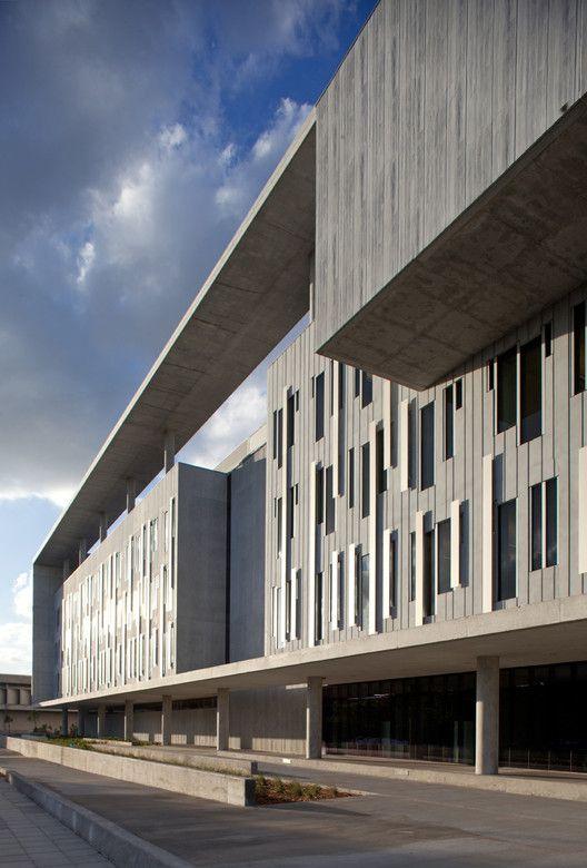 Miami-Dade College Kendall Campus,© Robin Hill