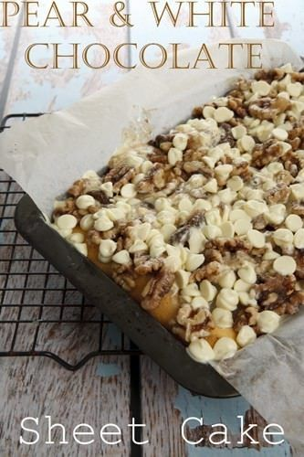 Delicious Pear Crumble Sheet Cake with White Chocolate