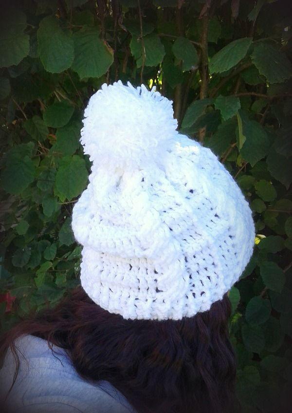 Bonnet blanc torsade maille irlandaise tricoté main au crochet unique made in France : Chapeau, bonnet par c-comme-celine