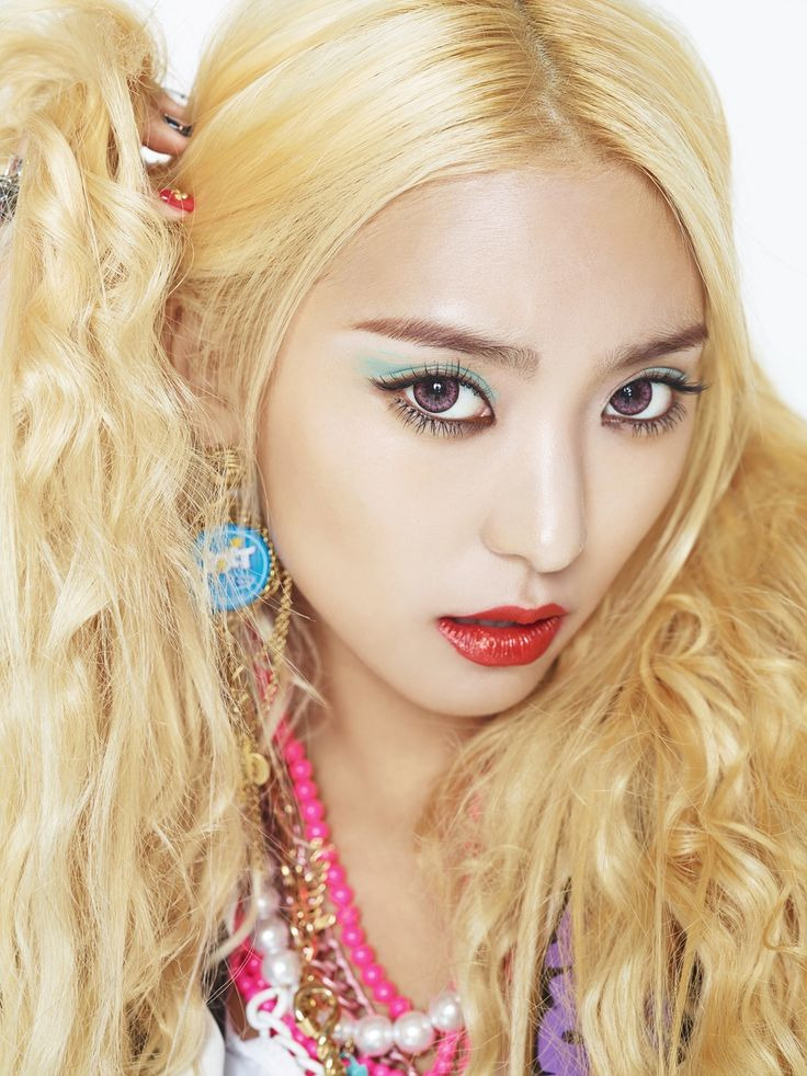 Bora // Sistar // Shake It | Korean Beauty | Pinterest | Shake