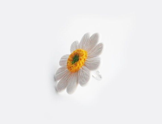 White and yellow flowers by Nataly on Etsy