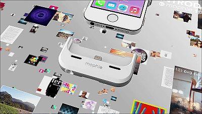 バッテリーだけでなく容量も32GBまで追加できるiPhone 5s/5用ケース「mophie space pack」