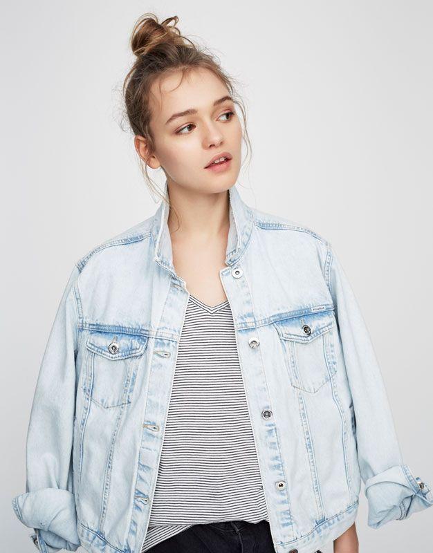 Denim jacket - Coats and jackets - Clothing - Woman - PULL&BEAR Ukraine
