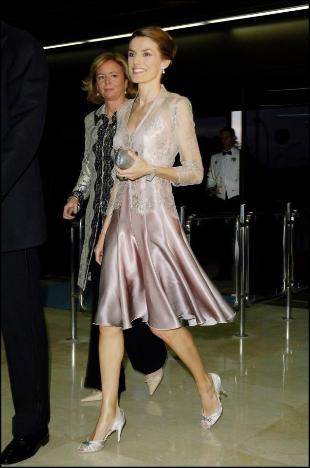 Letizia ortiz mujeres glossh pinterest espagne robe for Robe de reve