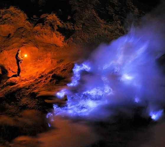 Kawah Ijen volcano has some spectacular blue lava during the night time,Ijen Mountain Banyuwangi,Beautiful Place in Indonesia,Beautiful Place in Indonesia,ijen crater blue fire ijen crater blue fire,Ijen crater tour, Ijen crater