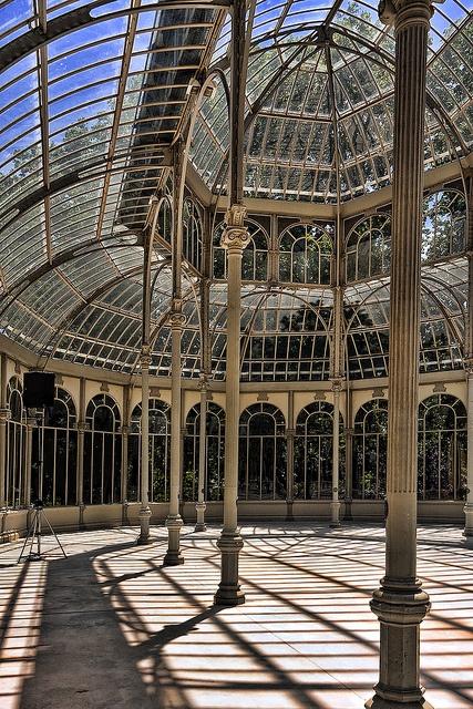Crystal Palace, El Retiro    Crystal/ironwork pavilion, Madrid's El Retiro    Por Jim Anzalone