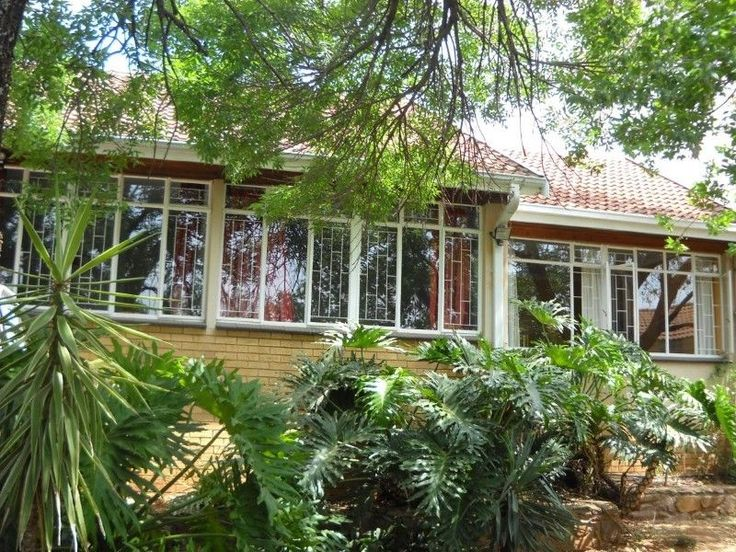 4 Bedroomhouse for sale in Lynnwood Manor SECURITY ESTATE