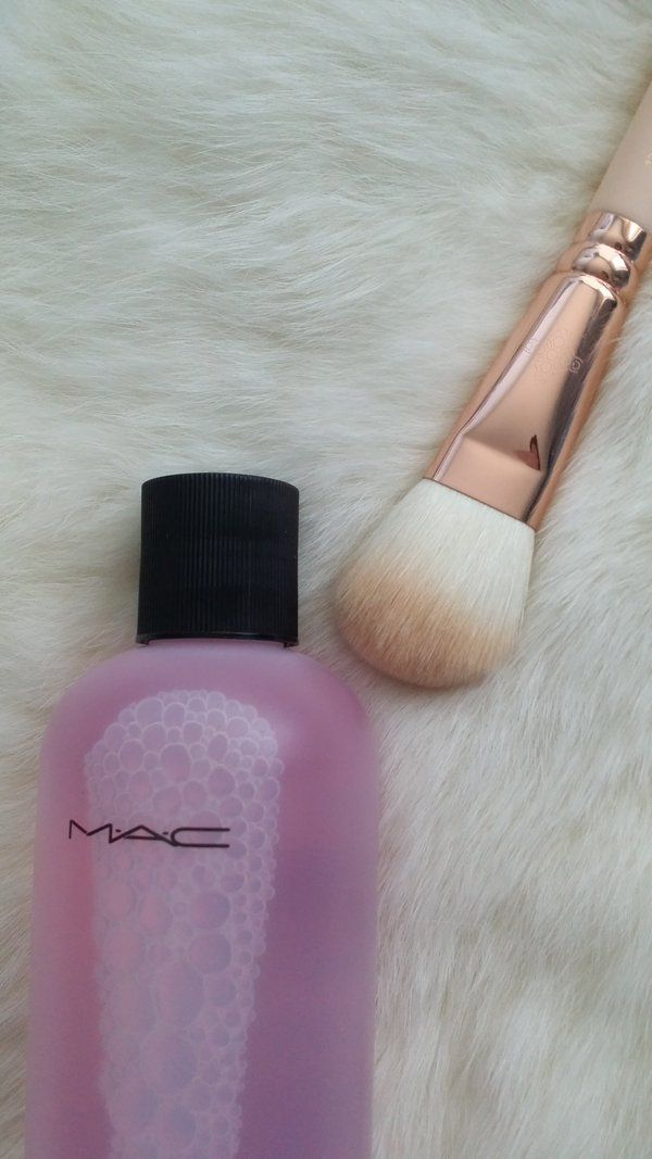 mac brush cleaning review vind je op aboutsbstyle