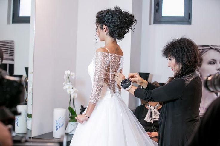 L'abito da sposa di Rachele è stato modellato, tagliato, confezionato e cucito addosso alla sua persona. Scopri cosa succede dopo la prima prova d'abito e vivi anche tu questa favola >> http://bit.ly/webserieEP