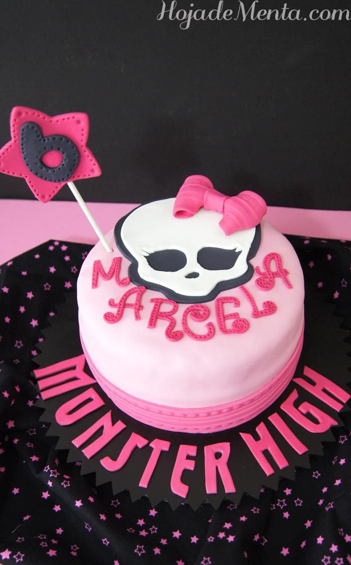 Tarta Monster High de chocolate para Hoja de Menta