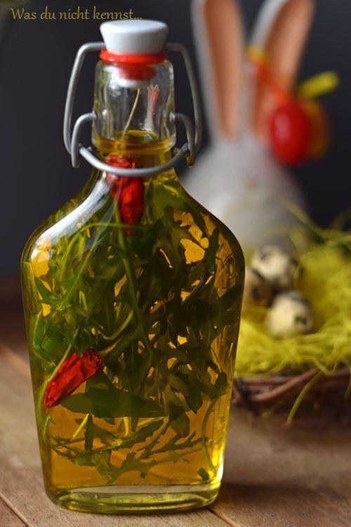 Ein Geschenk aus der Küche, welches schnell zubereitet ist und mit wenigen Zutaten auskommt? Wie wäre es mit einem scharfen Rucolaöl!