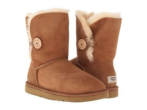 Bailey Button by showcases the exclusive wooden logo button with elastic-band closure. Signature Twinface sheepskin silhouette can be cuffed to expose its cozy interior. Feet will stay warm and dry wi