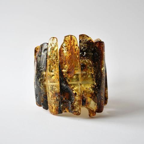 Transparent green amber bracelet with elastic band