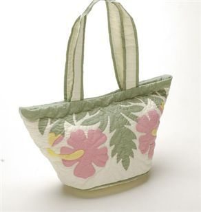 Hawaiian appliqué quilted bags
