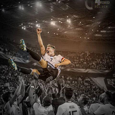 Danke für alles, Fußballgott! #ServusBasti #31.08.16