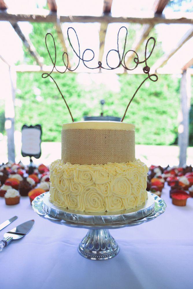 54 best wedding cakes images on pinterest cake wedding atlanta wedding and cake topper wedding. Black Bedroom Furniture Sets. Home Design Ideas
