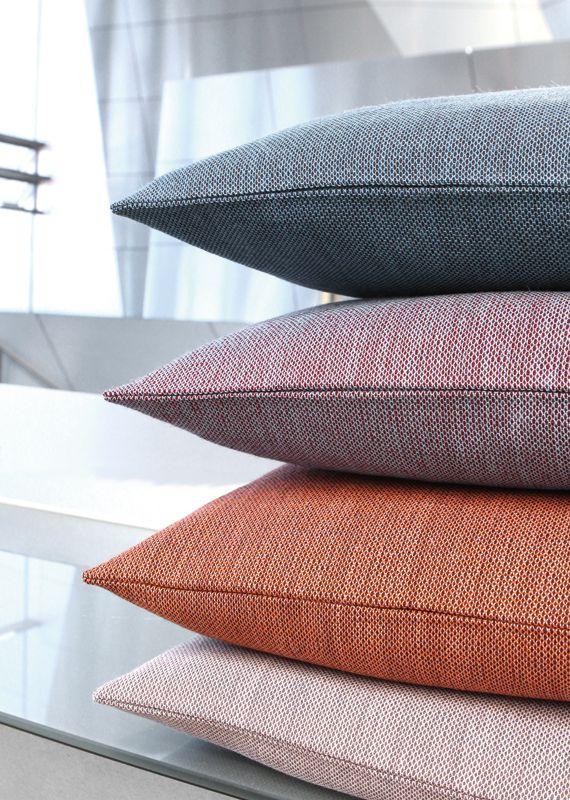 CrissCross een innovatieve en prachtige nieuwe meubelstof van Gabriel!