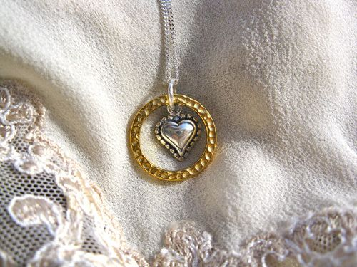 Eternal Love necklace - with heart. It would make the perfect gift to tell a special friend or loved-one how much they will always mean to you, or to celebrate a special day for them, e.g. Christmas Day, Valentine's Day, Birthday, Anniversary, Mother's Day, etc. Whatever the occasion, this is an inspirational present with real meaning.