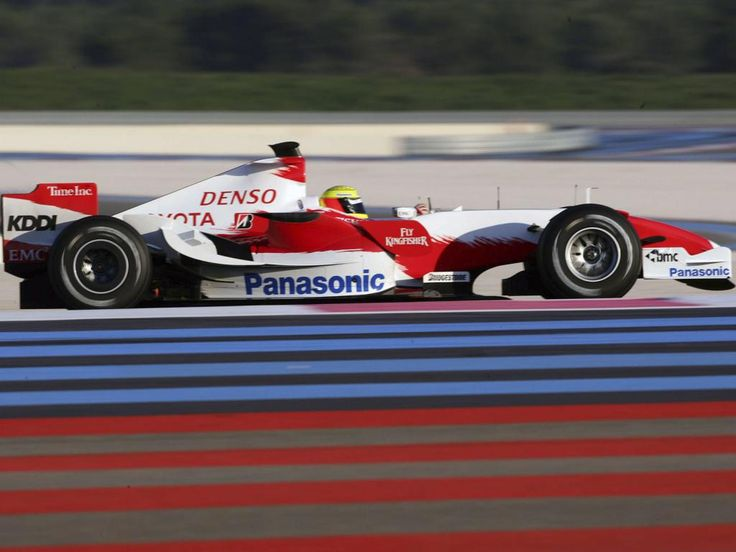Формула 1 - картинки на телефон: http://wallpapic.com.ua/sport/formula-1/wallpaper-21667