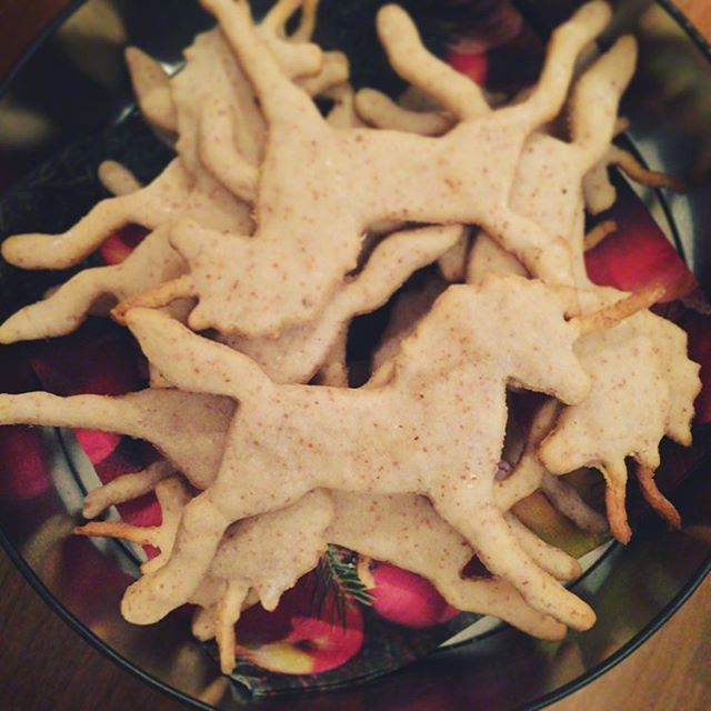 #Unicorn #cookies #kransekake #førjulskos #baking #julebakst #julekake #jul #christmas #xmas #julestemning #enhjørning #diy #fyidiy