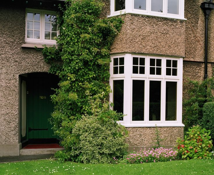 Traditional Bespoke Wood Casement Window Featured In This Replacement Project. Learn More.