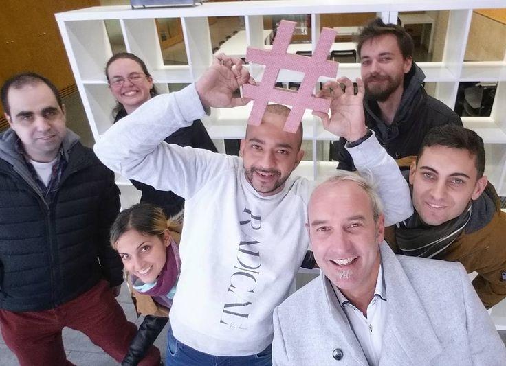 Otro viaje que llega a buen puerto: último día en el Programa de Marketing Digital en @fundacioampans... Después de 250 horas foto de familia antes que se nos caiga la lagrimilla  (los que faltan  a etiquetarse!!! )  #apps #mobile #igersbcna #MarketingDigital #VideoMarketingMe