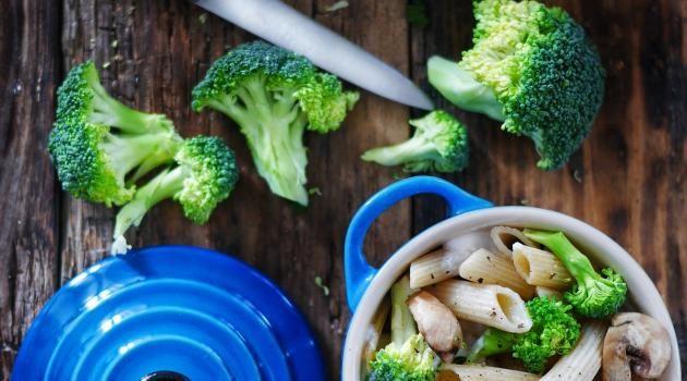Comment Cuisiner Les Brocolis Hellocoton Avec Images Comment Cuisiner Beignet Aux Pommes Recettes De Cuisine