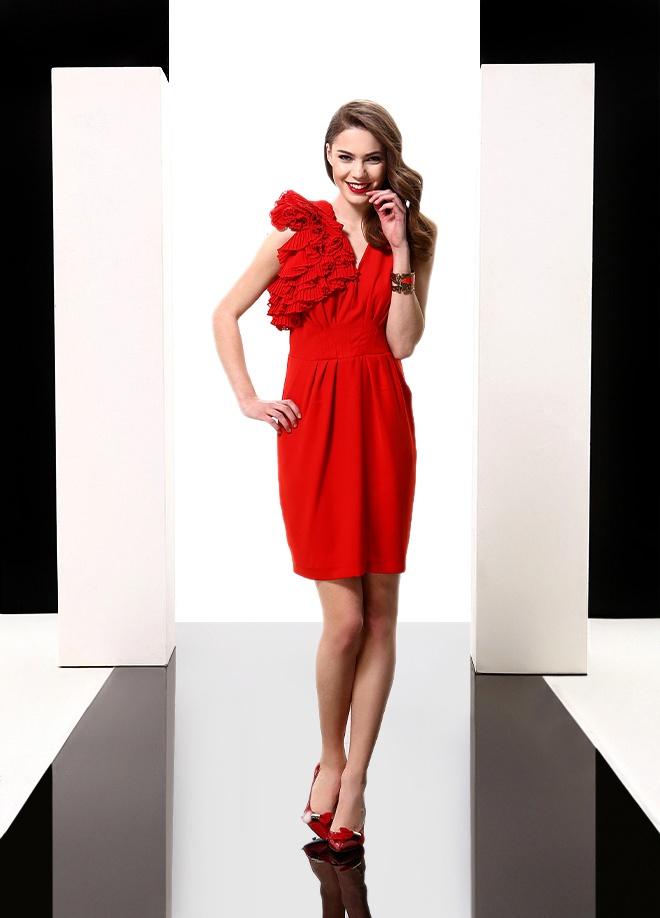 Sassofono Elbise Markafoni'de 526,00 TL yerine 140,99 TL! Satın almak için: http://www.markafoni.com/product/3616625/