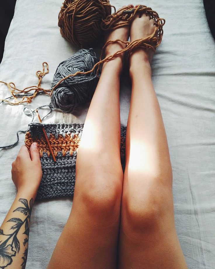 ❤❤❤ #morning #morningcrochet #crochet #crocheting #szydełko #szydelkowanie #szydełkowelove #yarn #yarnaddict #yarnporn #passion #karolahandmade #rekodzieło #handmadeinpoland #handmade #craft #craftart #hooked #włóczka #moderncrochet #inprogress #crochetstitch #szalik #scarf #handmadescarf #crochetscarf #legs #crochetgirl #floraltatoo #blacktattoo