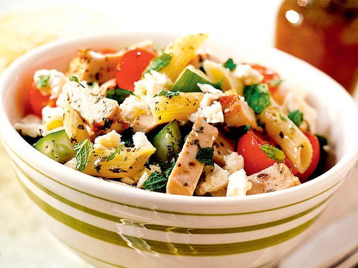 Salată mediteraneană cu paste