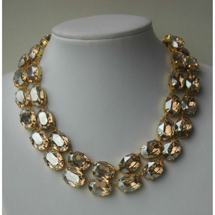 Anna Wintour Necklace, love this, she wears it with everything