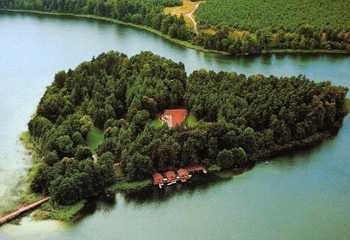 Романтические места в виде сердца - полуостров Вальхен в виде сердца в Германии.