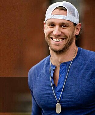 Chase Rice! Also on my list this year <3 Thanks to the best cousin / concert buddy ever!