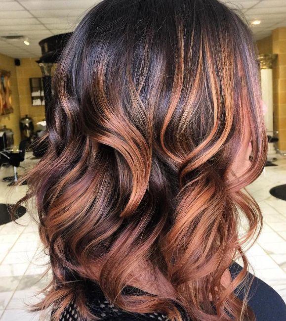 O con una base castaña, como si fuera el atardecer. | 16 Looks de cabello que serán tendencia en 2017 y puedes tener ya