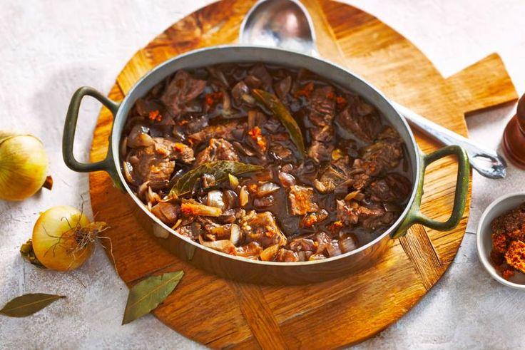 19 november - Runderlappen in de bonus - De geur van hachee in de keuken geeft menigeen een gevoel van thuiskomen - Recept - Allerhande