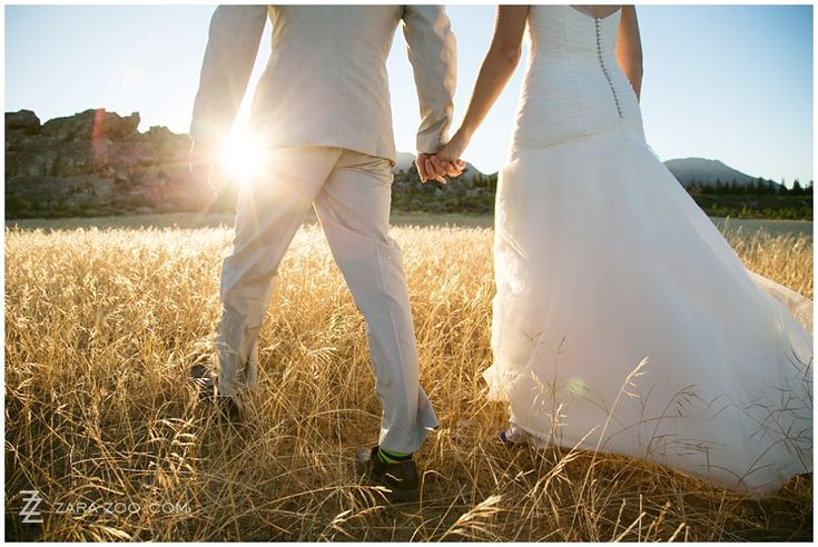 With the last rays of sun weaving though the golden fields, this is one of my favourites of this wedding.  See more of this wedding at Kaleo in Ceres on our blog.  http://www.zara-zoo.com/blog/wedding-at-kaleo-in-ceres/