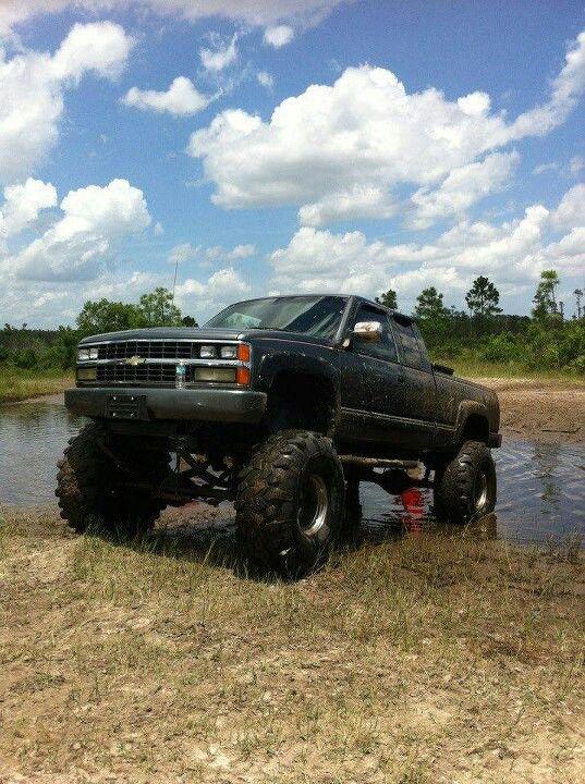 jacked up chevy trucks mudding - photo #37