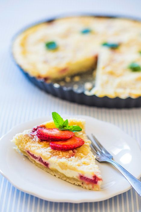Nadrobno nakrájené čerstvé jahody budou v kombinaci s tvarohem dokonalé!; David Háva