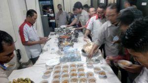 Catering tumpeng 085692092435: 08118888516 Pesan Prasmanan Di Jagakarsa Jakarta S...