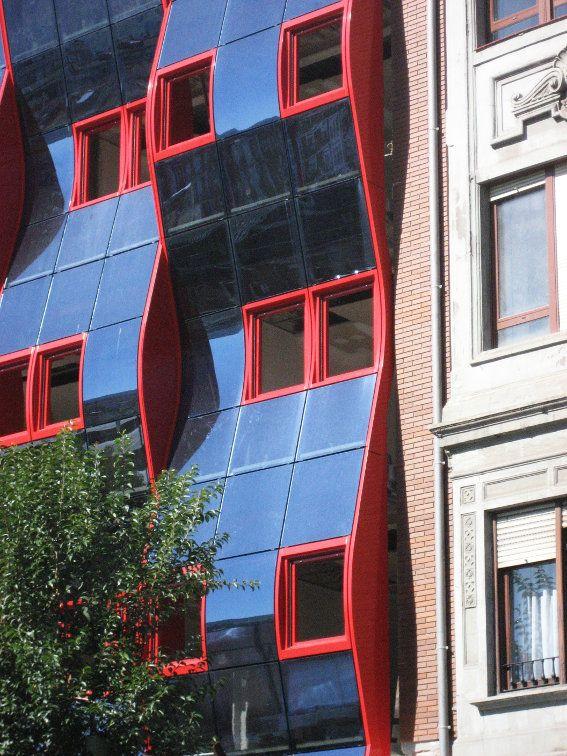 Fachada modular para la construcción de 12 viviendas en la calle Hurtado Amezaga