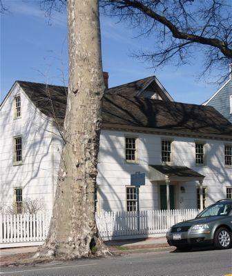 Walking and Driving Tour of Oyster Bay, Long Island: Raynham Hall Museum