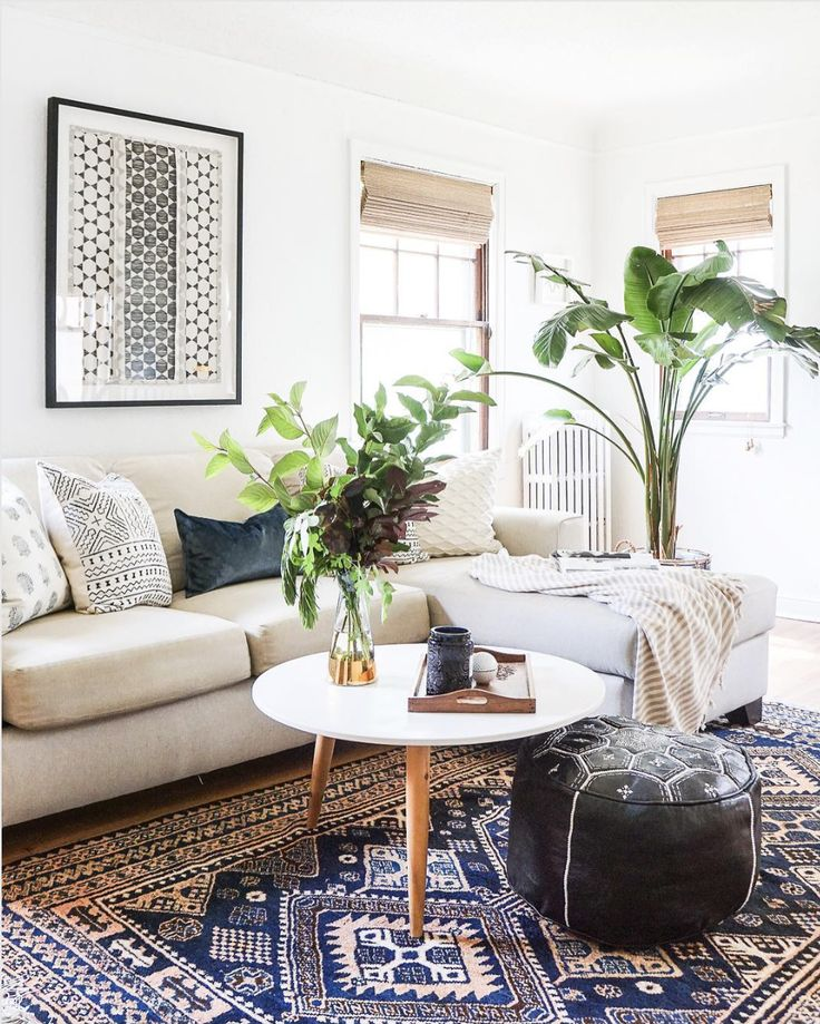 Beautiful living room /// Fabulously Easy Ways to Organize Your Living Room This Spring