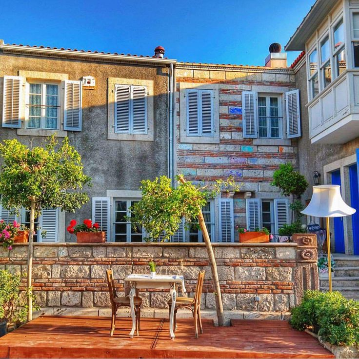 """Köstem Hotel #Alacati www.kucukoteller.com.tr www.smallhotels.com.tr Köstem Hotel, situated in the center of Alaçatı, with its stone walls designed by the…"""