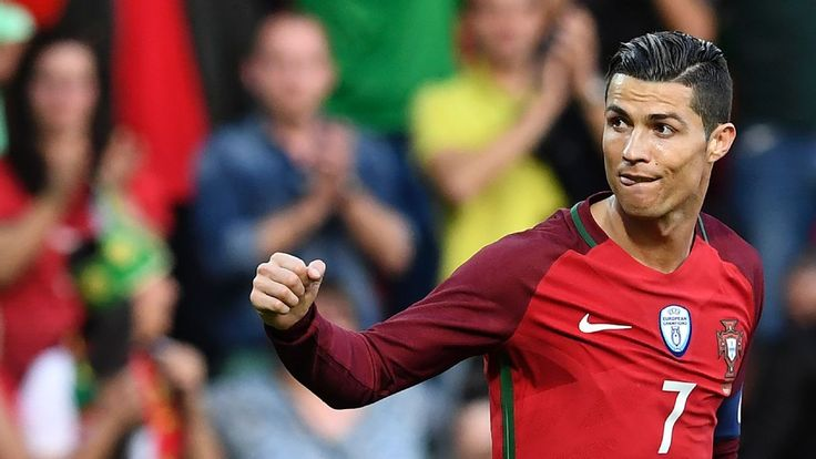 I wish Ronaldo was Argentine, but still prefer Lionel Messi - Diego Maradona