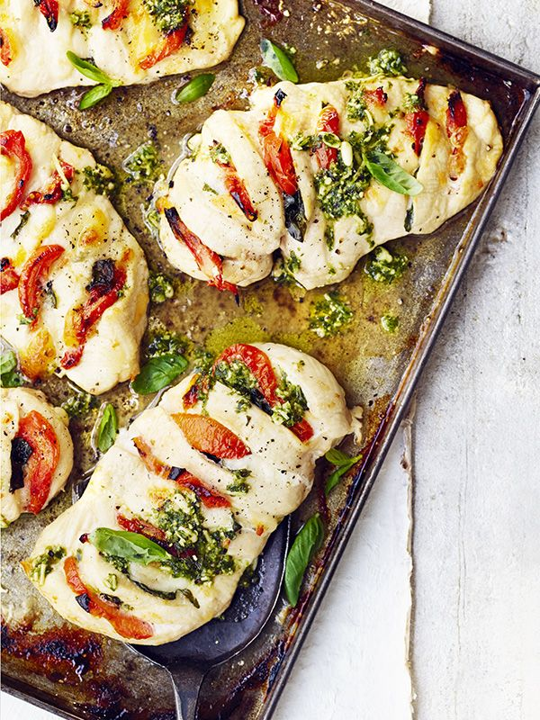 This hasselback chicken tray bake with mozzarella, sun-dried tomatoes and pesto…