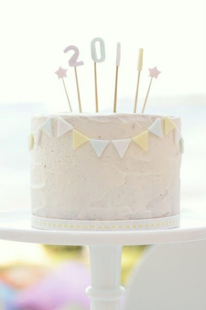i would like a cute cake like this waiting for me at home after every bad day at work, please.