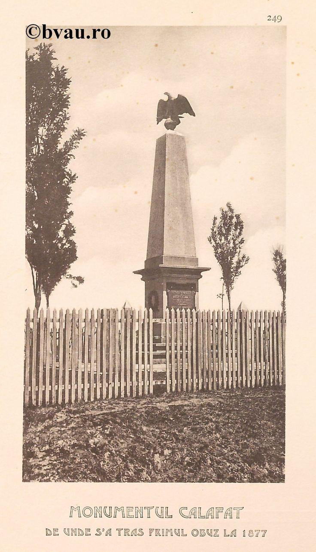 """Monumentul Calafat de unde s-a tras primul obuz la 1877, 1902, Romania. Ilustrație din colecțiile Bibliotecii Județene """"V.A. Urechia"""" Galați. http://stone.bvau.ro:8282/greenstone/cgi-bin/library.cgi?e=d-01000-00---off-0fotograf--00-1----0-10-0---0---0direct-10---4-------0-1l--11-en-50---20-about---00-3-1-00-0-0-11-1-0utfZz-8-00&a=d&c=fotograf&cl=CL1.44&d=J251_697980"""