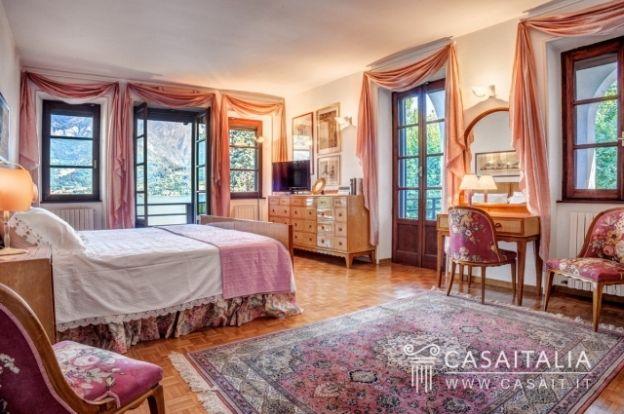 Villa with dock on Lake Como - GV7K | ITALY Magazine