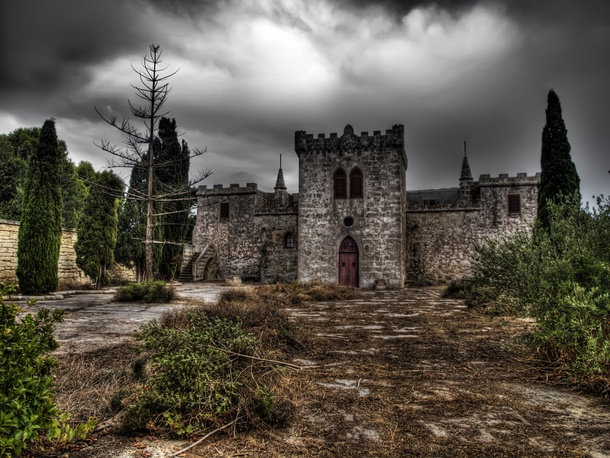 Derelict Castle, Wardija – William Attard McCarthy/Shutterstock
